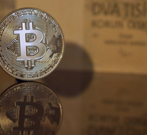 newsish article about Bitcoin at its lowest since April 9